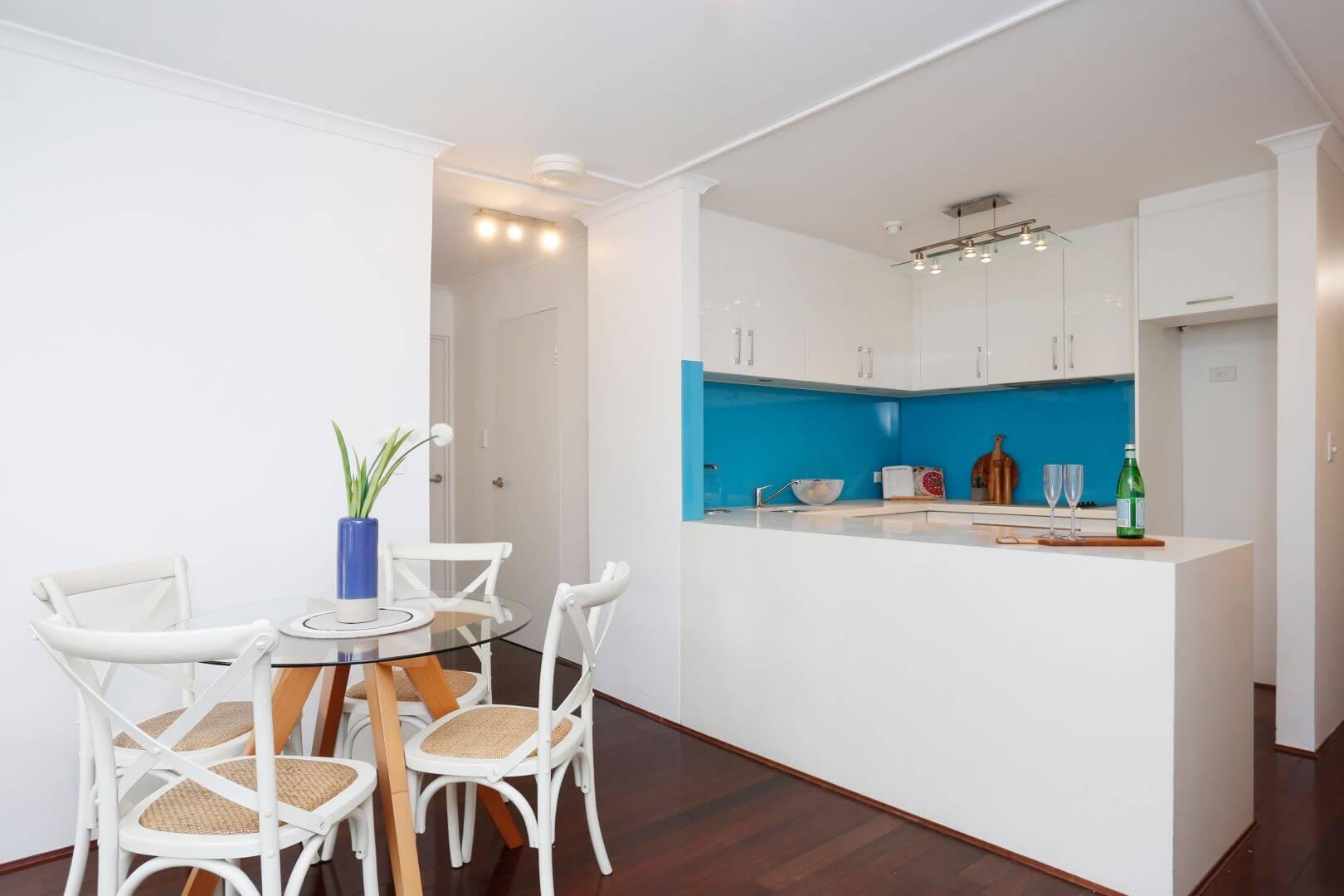 8-336 Sussex Street - Kitchen